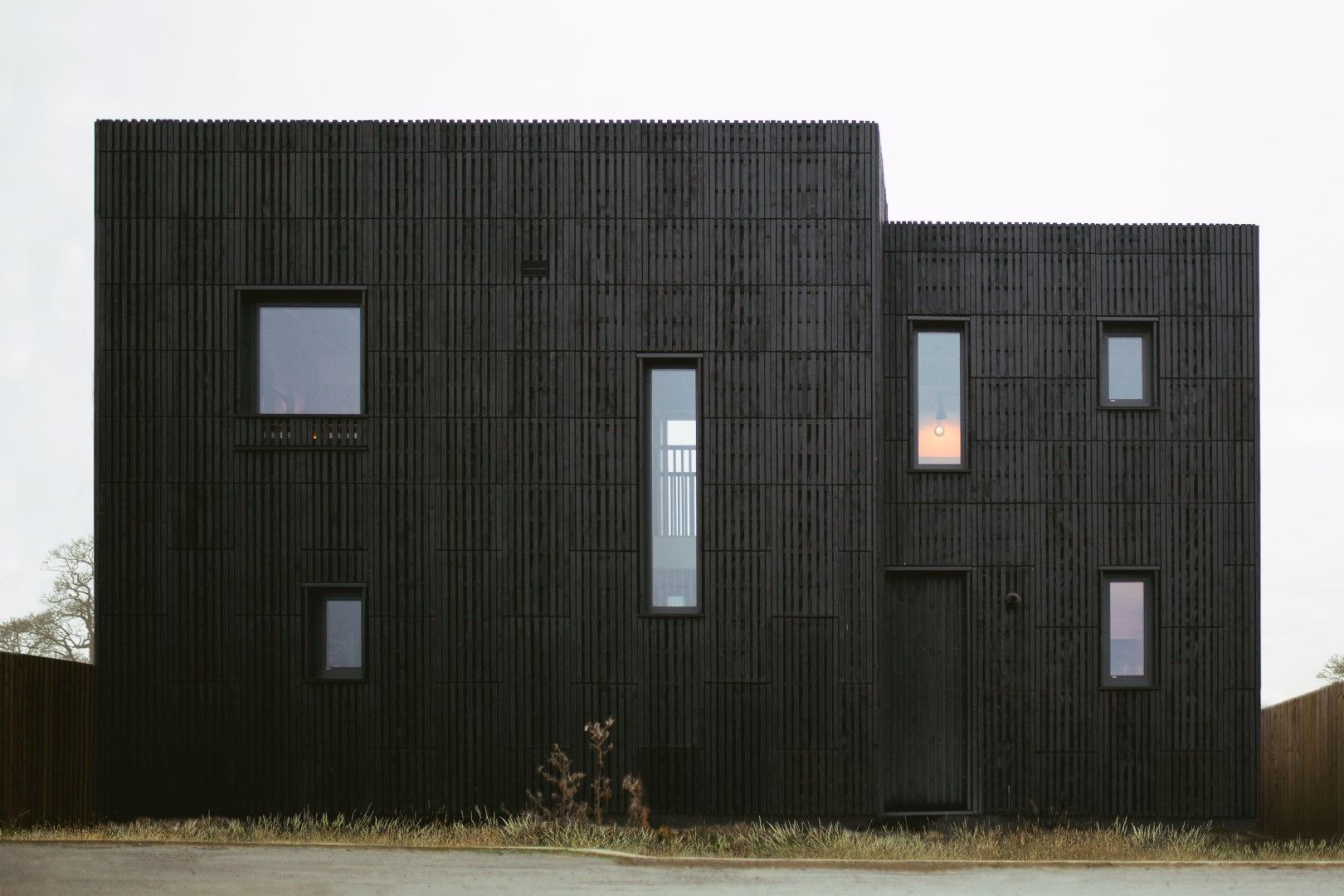 Studio_Bark_U-Build_Box_House_L (36)